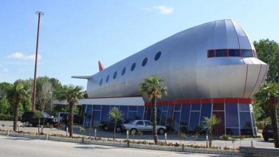 vliegtuighotel Tirana