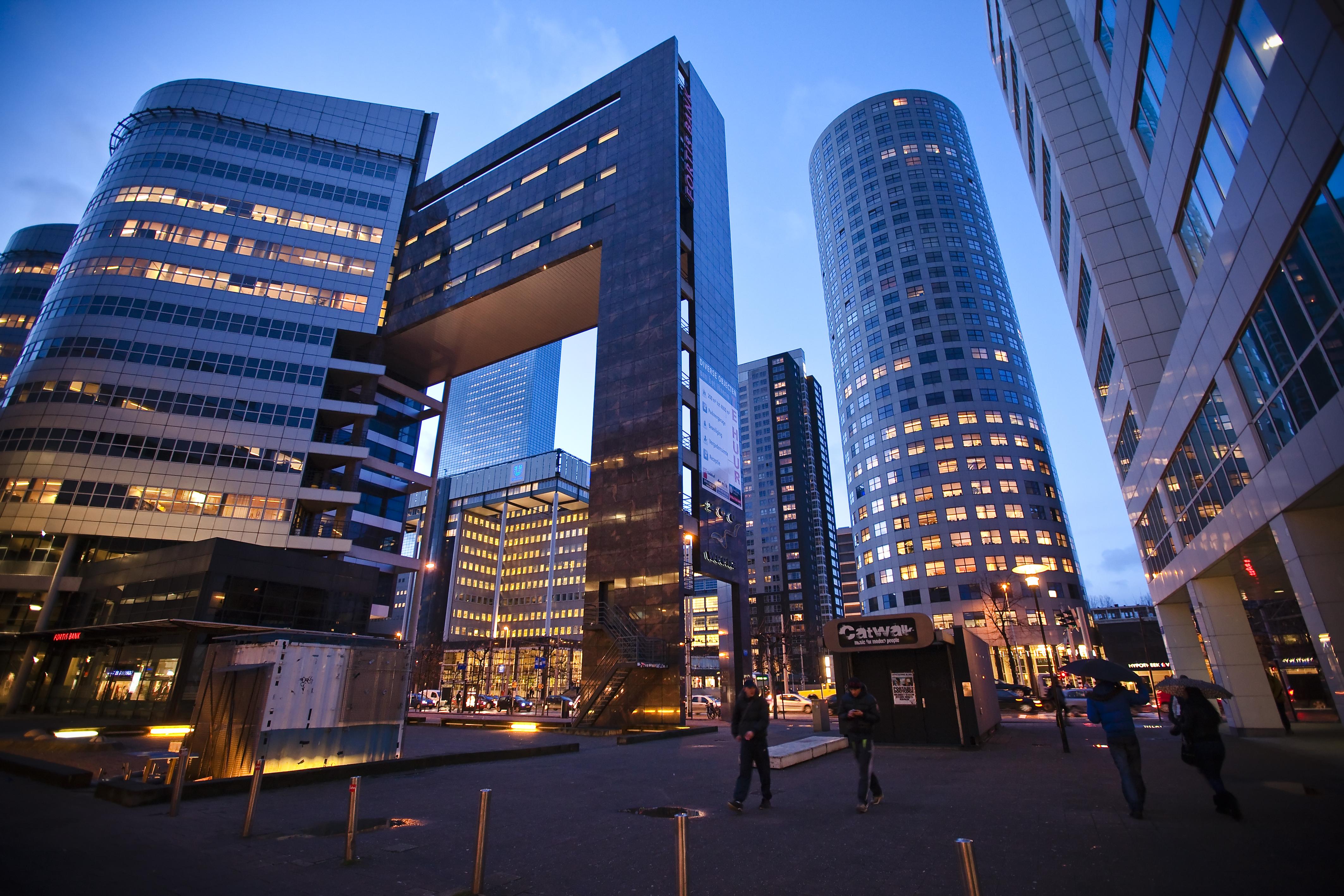 Het Weena, hoogbouw en moderne architectuur gezien vanaf de lijnbaan