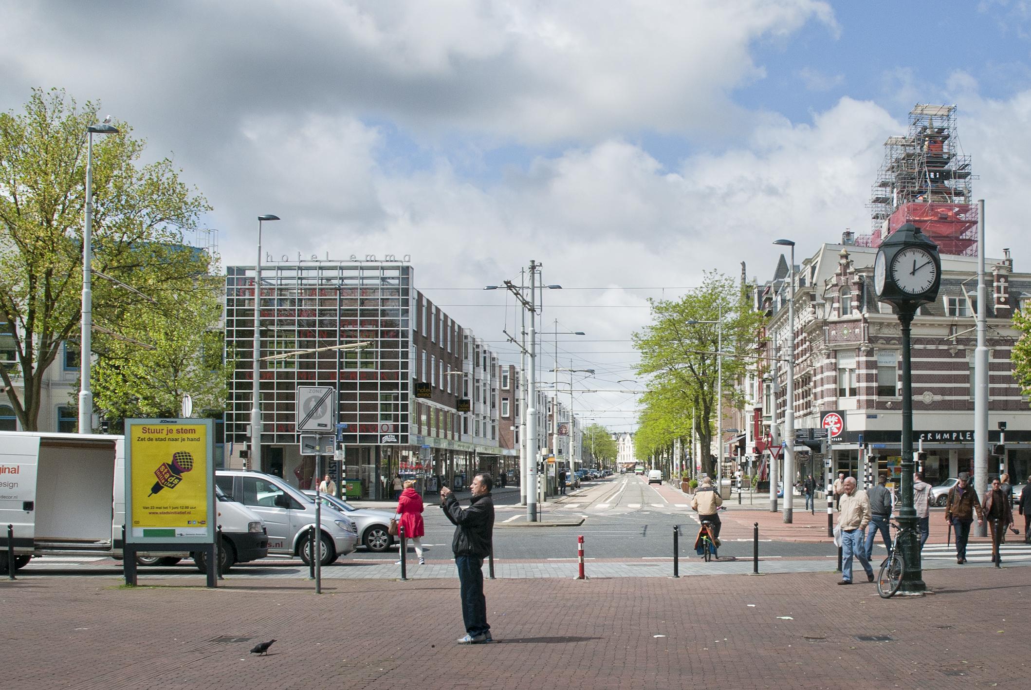 Binnenweg, officiële straatnaam van de gemeente Rotterdam bij beslissing van B&W sinds 13 maart 1888. Het predicaat 'oude' werd toegevoegd op 14 januari 1977.