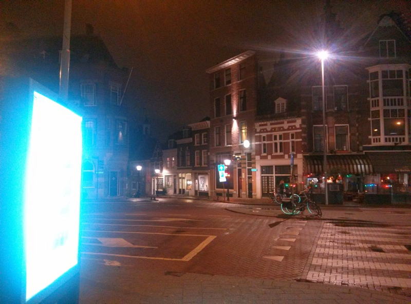 Rustiek stadsmeubilair in historisch Delfshaven