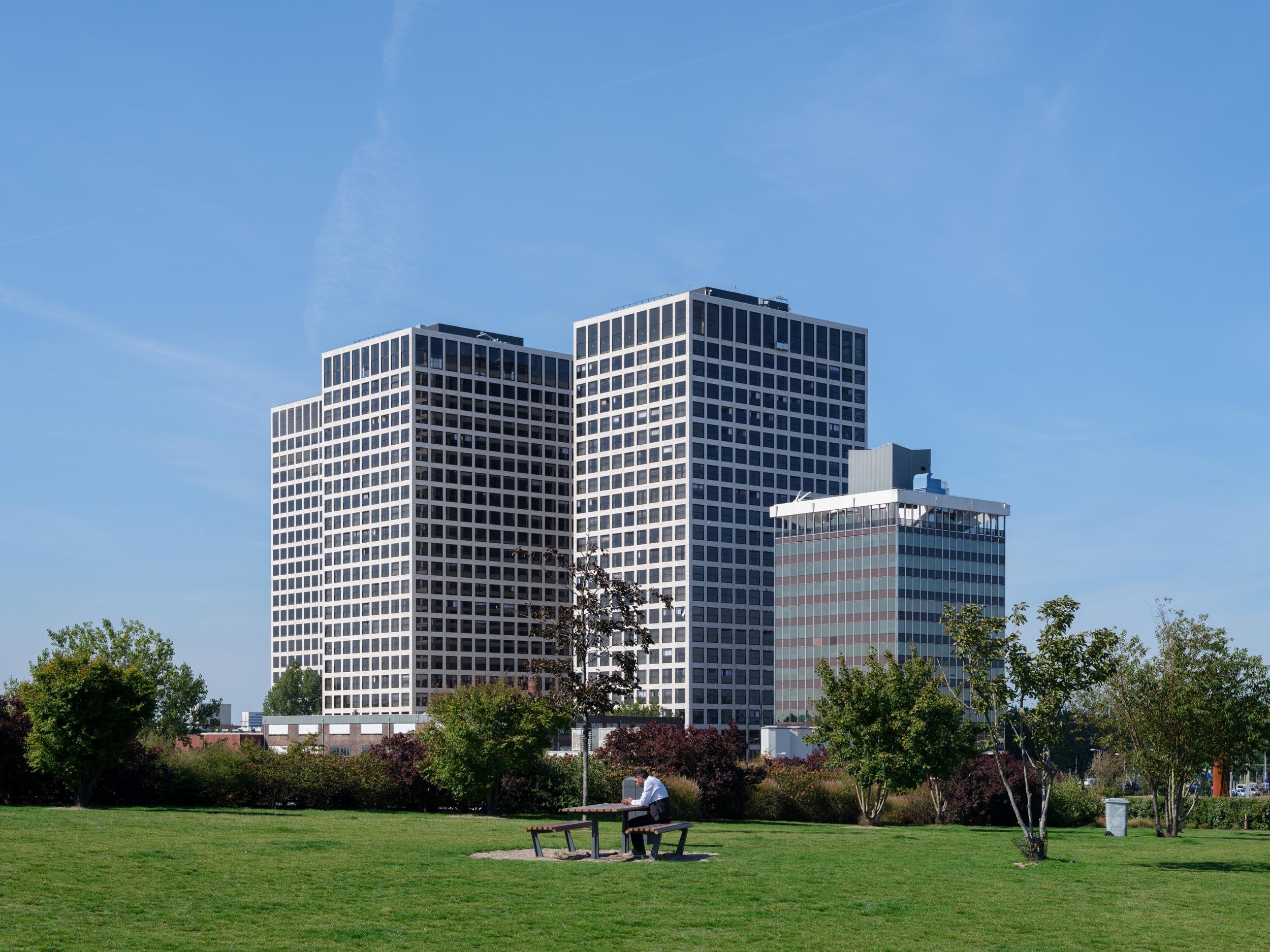 019-VB-Ossip-van-Duivenbode-Lee-Towers