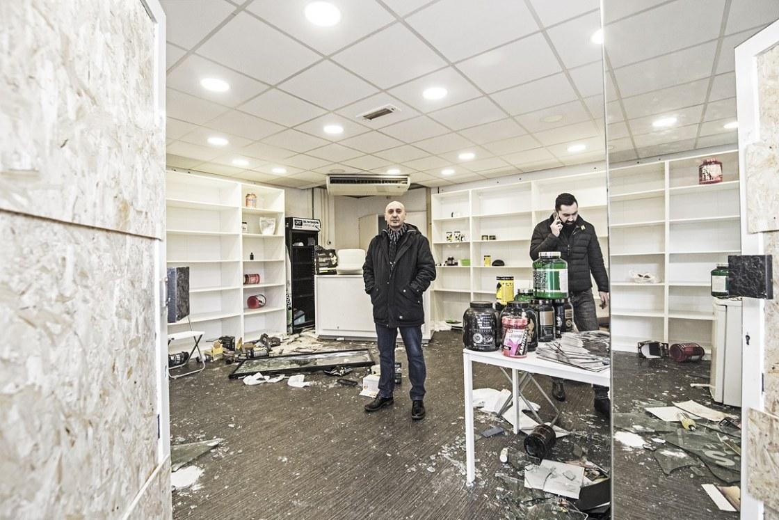 Emrah Köker(re) eigenaar van Body Muscles Supplementen Groene Hilledijk Rotterdam 2020 01 26 foto Joke Schot (Kopie)