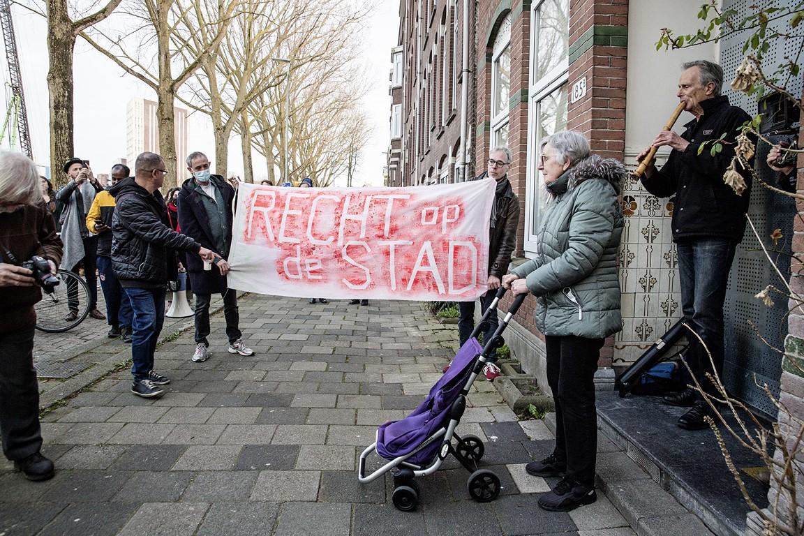 Hommage van Klaas Hekman aan merouw Pelger 2021 04 19 foto Joke Schot (3) (Kopie)
